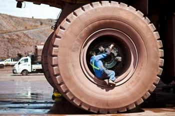 Vehicle maintenance, Sishen iron ore mine, South Africa