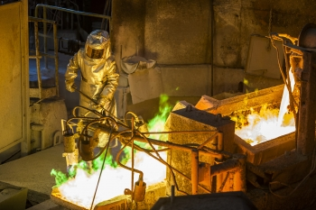 Processing copper ore, Chagres, Chile